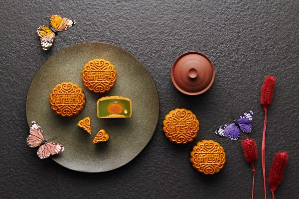 New World Petaling Jaya Hotel celebrates Mid-Autumn with tantalising selection of mooncakes