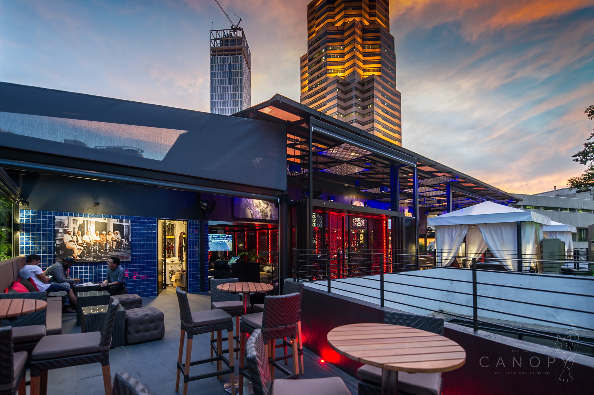 Bar Restaurant. The roof top bar Canopy ... : rooftop canopy - memphite.com
