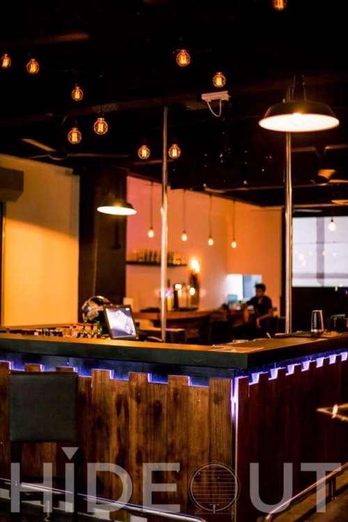 Hideout Bar & Cafe