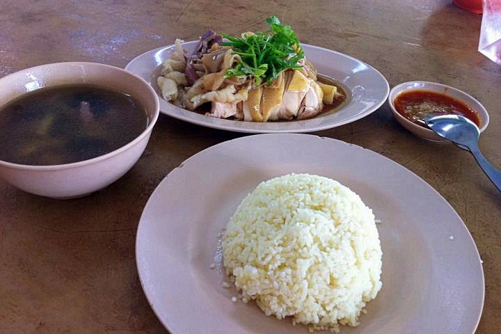 Kee Kee Bentong Chicken Rice - Craving Chicken Rice? Here Are Some of the Best Chicken rice places in Klang Valley!