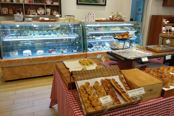Interior at Ficelle Boulangerie, Taman Desa | Kuala Lumpur Best Cafes Review 2018