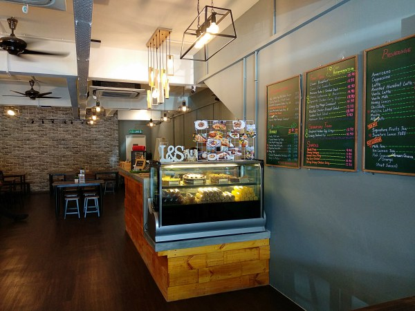 Interior of Light and Salt Cafe Taman Goodwood | Kuala Lumpur Best Restaurant Review 2018