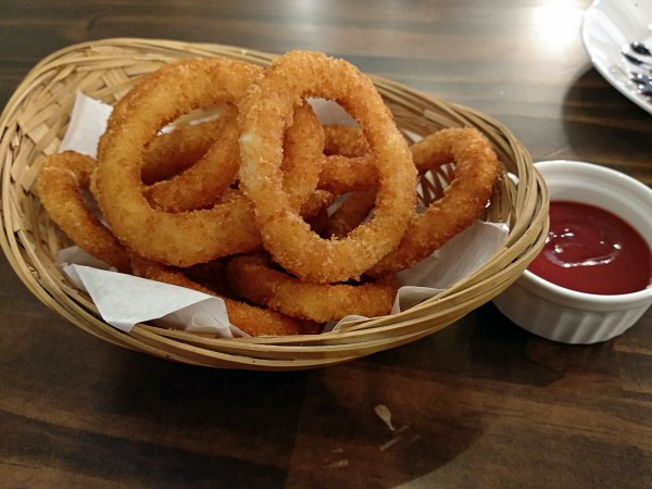 Onion rings at Light and Salt Cafe Taman Goodwood | Kuala Lumpur Best Restaurant Review 2018