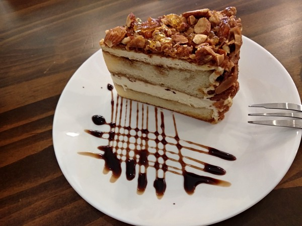 Tiramisu Cake at Light and Salt Cafe Taman Goodwood | Kuala Lumpur Best Restaurant Review 2018