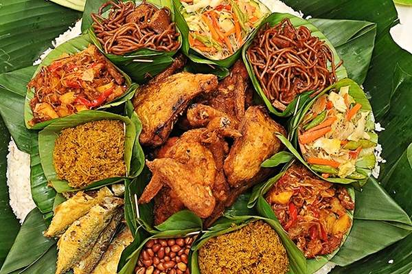 5 Gastronomical delights you must try whilst visiting Selangor - Nasi Ambeng