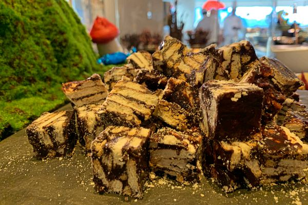 Vasco's buffet sinfully delights with Chocolate Factory during August at Hilton KL - kuih batik